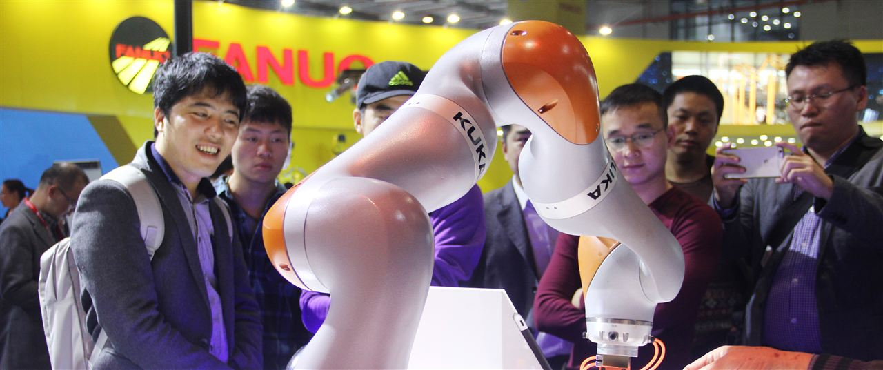 KUKA攜全球新品強勢登陸第17屆中國工博會