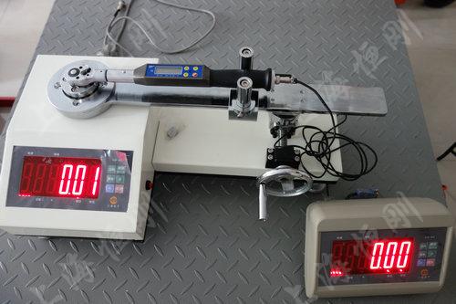 触屏刻度式扭矩扳手测量仪图片