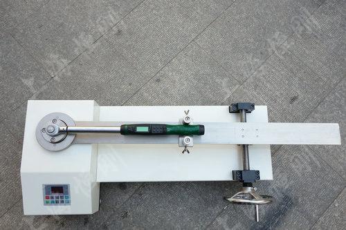 刻度式扭矩扳手测量仪图片